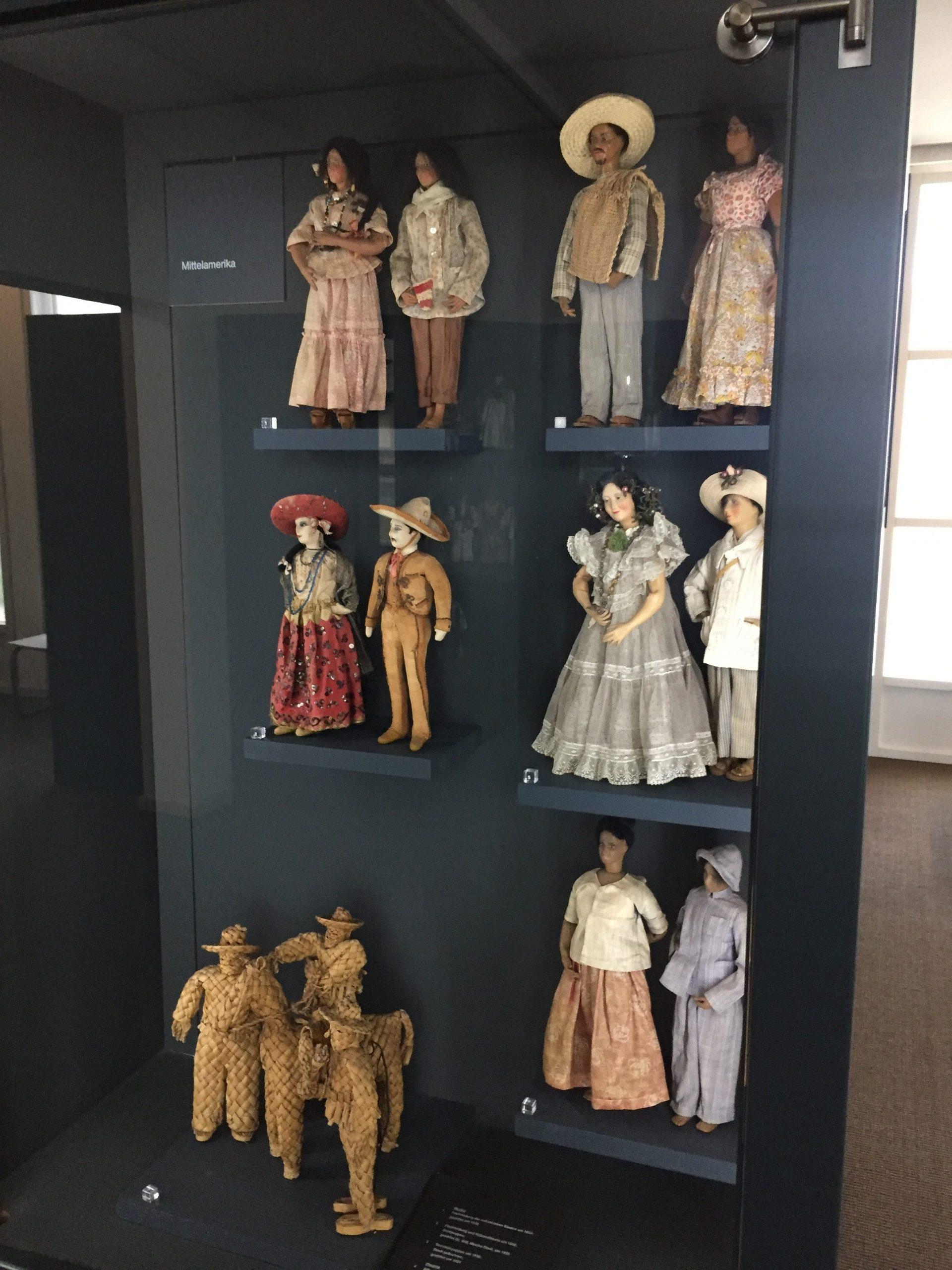 Figuren anderer Kulturen, hier Mittelamerika