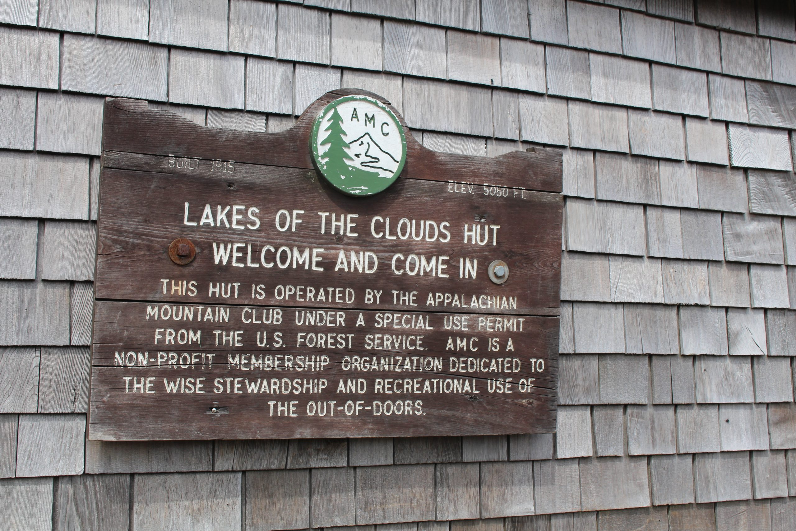 Lake of the Clouds hut