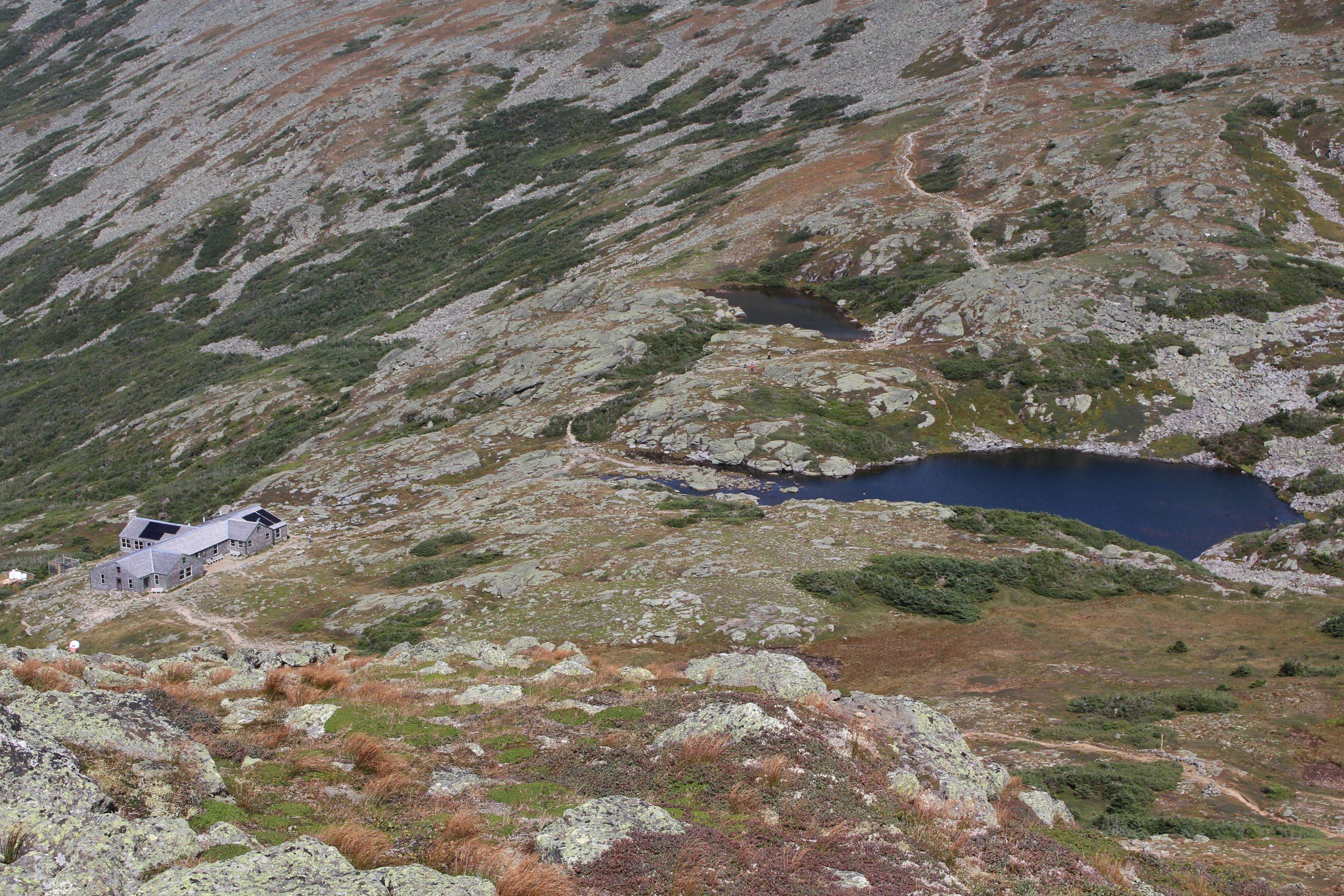 Blick auf die Lake of the Clouds mit gleichnamiger Hütte